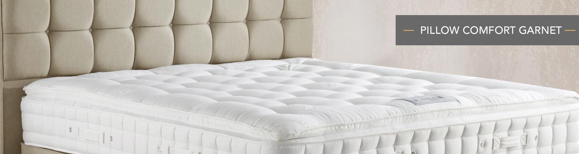 Pillow Comfort Garnet Banner