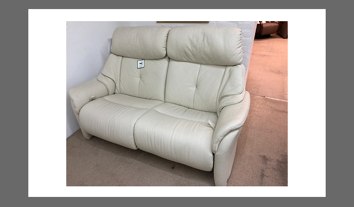 2.5 Seat Manual Reclining Sofa and 2 Reclining Chairs